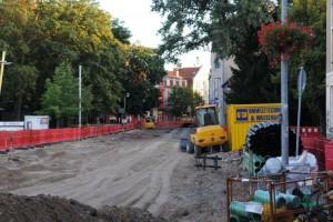 Die Aufräumarbeiten in der Leipziger Straße haben bereits begonnen.