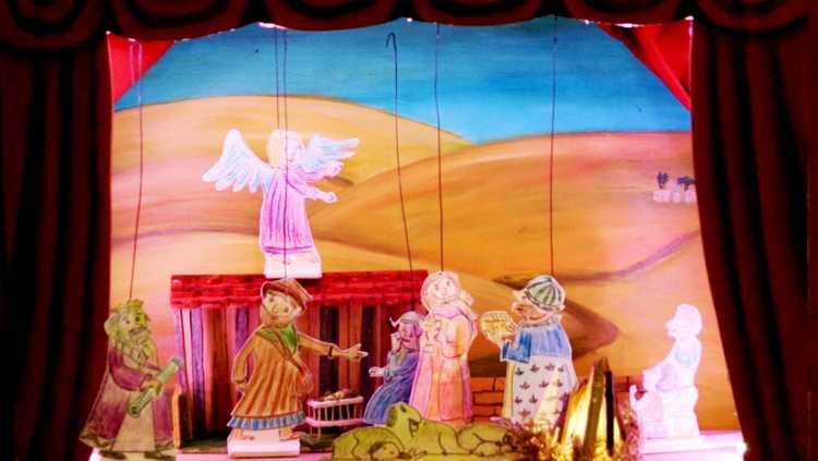 Szene aus der Weihnachtsgeschichte des Krakschen Papiertheaters.