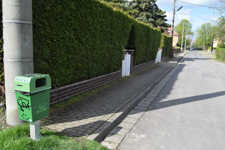 Warum nur auf dem Dorf? Eigentlich ist das doch auch eine gute Idee für die Verkehrsberuhigung auf der behindertengerechten Rampe am Rathaus in der Kernstadt.