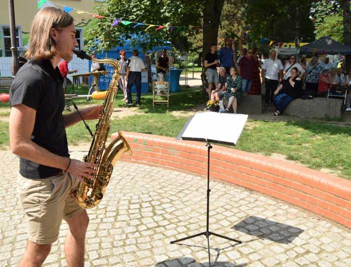 Henning Hesselbarth ist ein Allrounder. Fürs Helfen wurde er ausgezeichnet, für sein Konzert am Saxofon mit Gänsehaut-Feeling gabs frenetischen Beifall.